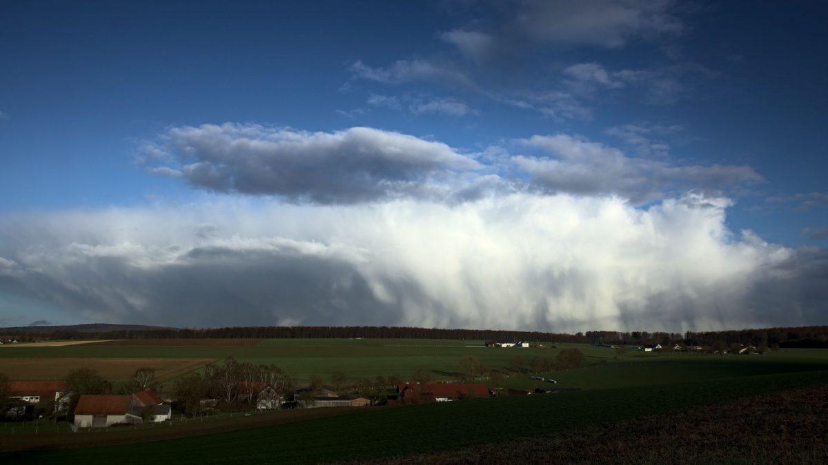 Sturm über dem Reinhardswald