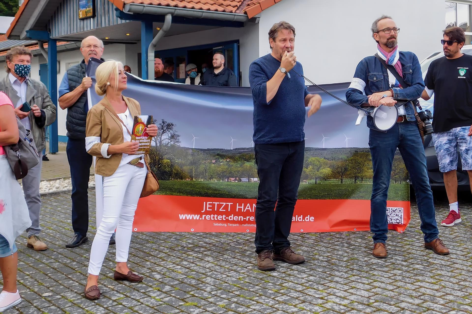 Chrisitan Trappe Pfarrer aus Lippoldsberg spricht zu den Demonstranden