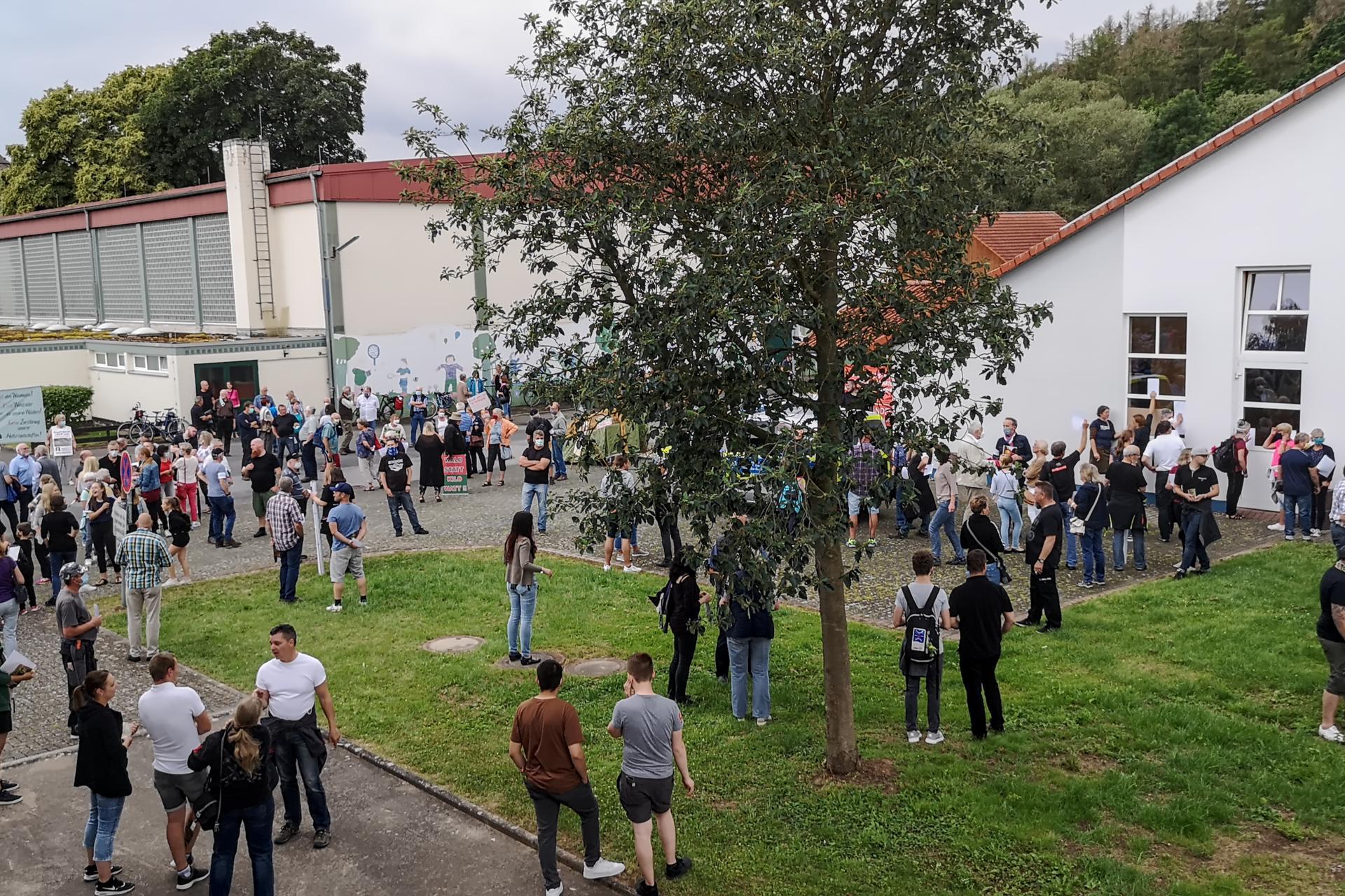 Vor und an der Kulturhalle Trendelburg